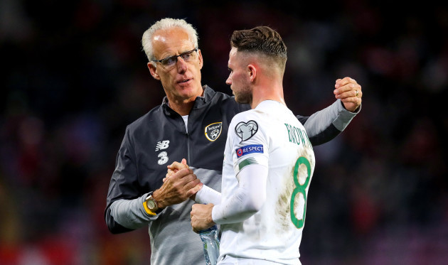 mick-mccarthy-with-alan-browne-after-the-game