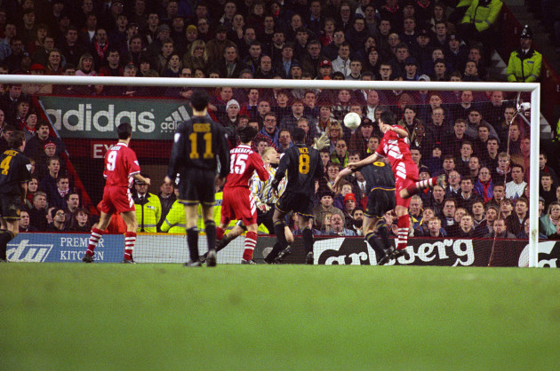 soccer-fa-carling-premiership-liverpool-v-manchester-united-anfield