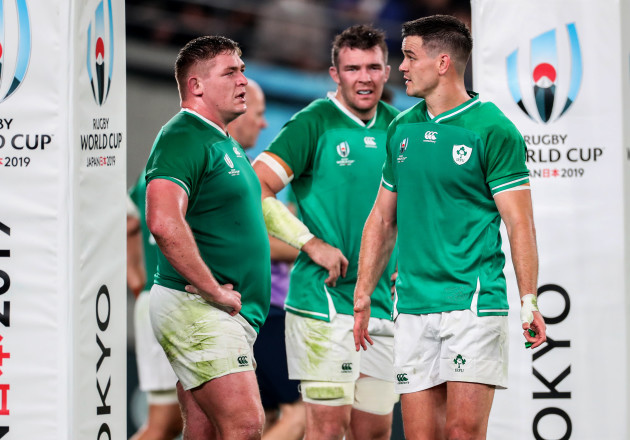 jonathan-sexton-peter-omahony-and-tadhg-furlong-dejected
