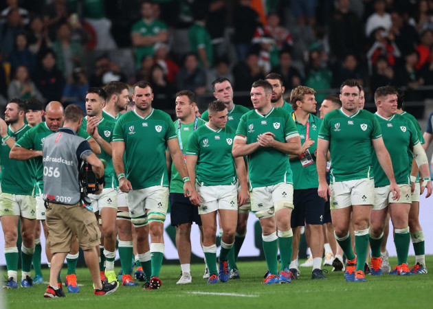 ireland-team-applaud-the-fans-after-the-match