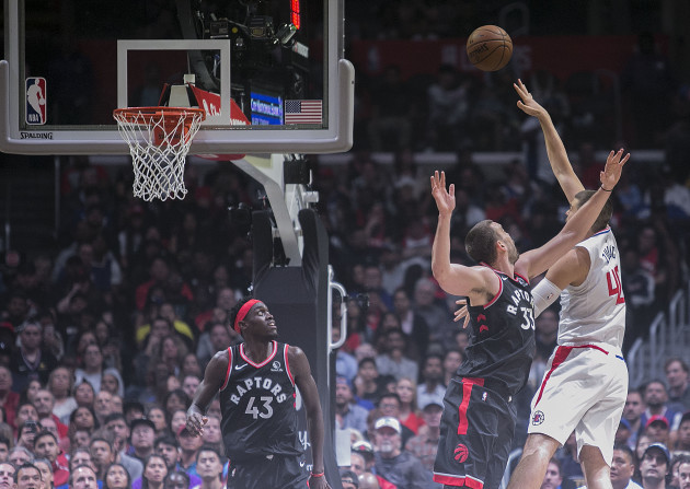 clippers-defeat-raptors-98-88