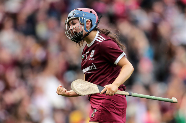 sarah-healy-celebrates-her-sides-third-goal