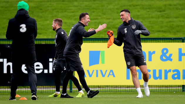 robbie-keane-and-troy-parrott