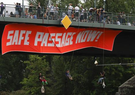 unite-for-solidarity-protest-in-frankfurt