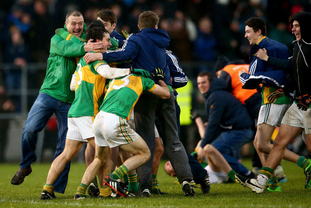 clonmel-players-and-fans-celebrate-at-the-final-whistle