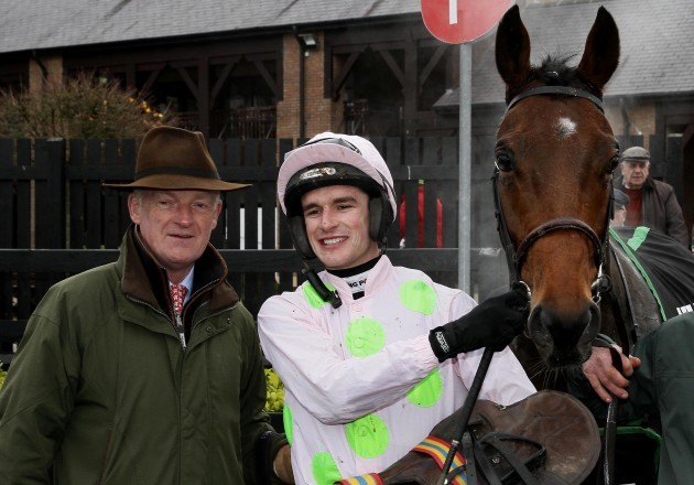 danny-mullins-and-willie-mullins-with-saldier-after-winning-the-race