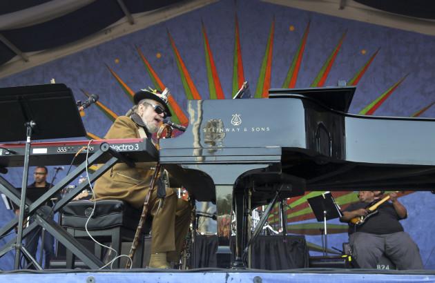 la-dr-john-aka-malcolm-john-mac-rebennack-plays-jazzfest-new-orleans