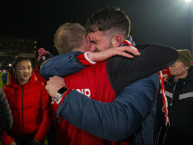 an-eire-og-fan-gets-emotional-while-celebrating-with-joe-murphy