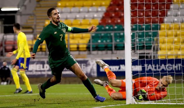 zak-elbouzedi-celebrates-scoring-his-sides-fourth-goal