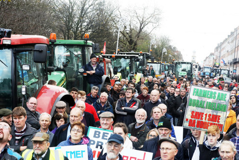 8524 Farmers protest_90585871