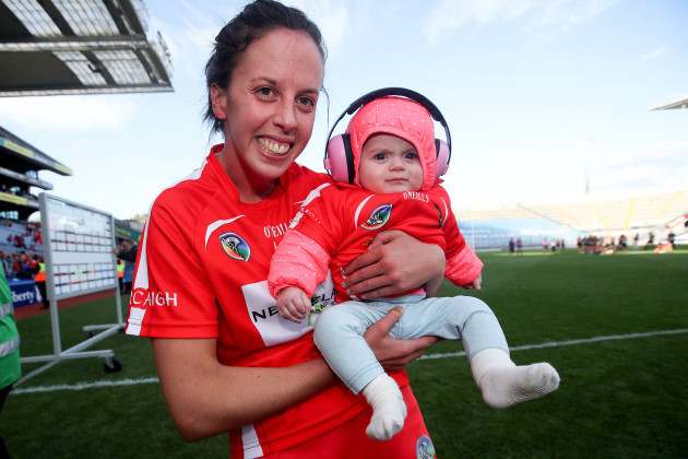 orla-cotter-with-her-niece-fia-otuama