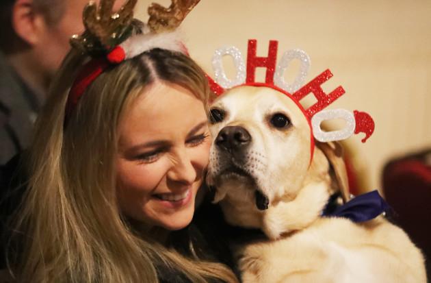 peata-therapy-dog-carol-service