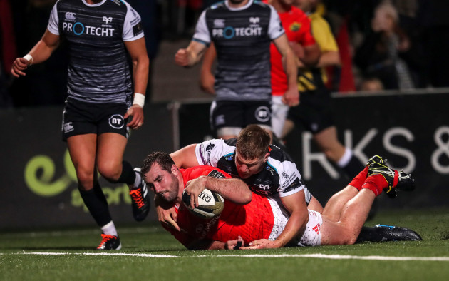 james-cronin-scores-his-sides-first-try