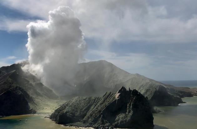 new-zealand-white-island-volcano-eruption