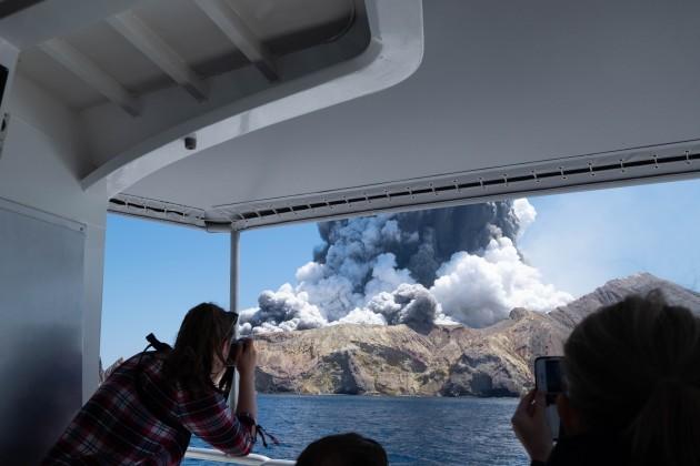new-zealand-volcano-erupts-victims