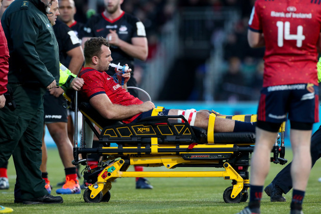 Mako Vunipola tadhg-beirne-has-to-leave-the-field-due-to-a-knee-injury