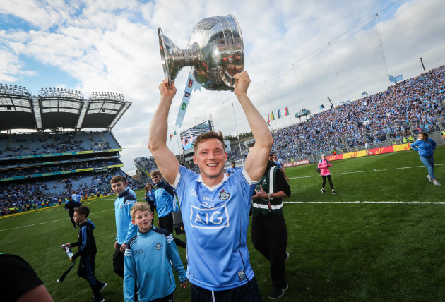 paul-flynn-celebrates-with-the-sam-maguire