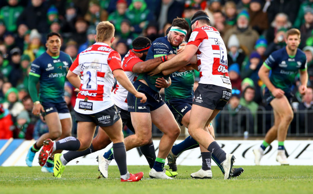 josh-hohneck-and-alex-seville-tackle-tom-daly-14122019