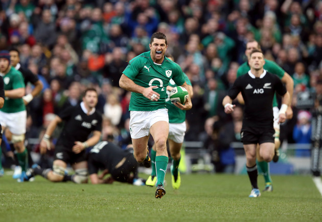Rugby rob-kearney-scores-a-try