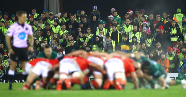 as-part-of-the-portwest-road-safety-awareness-campaign-supporters-at-the-connacht-v-munster-pro14-game-attempt-to-break-the-world-record-for-the-highest-number-of-people-wearing-hi-vis-jackets-in-the