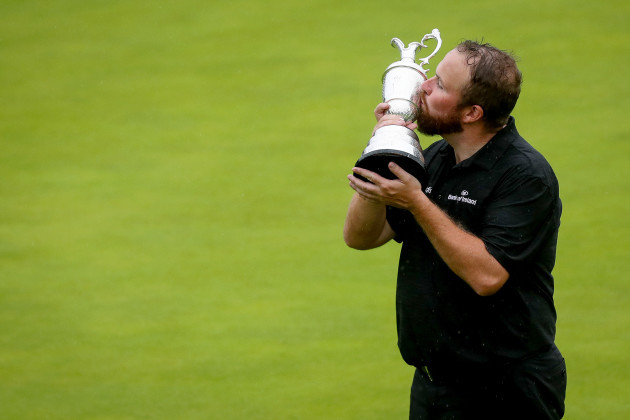 shane-lowry-celebrates-with-the-claret-jug