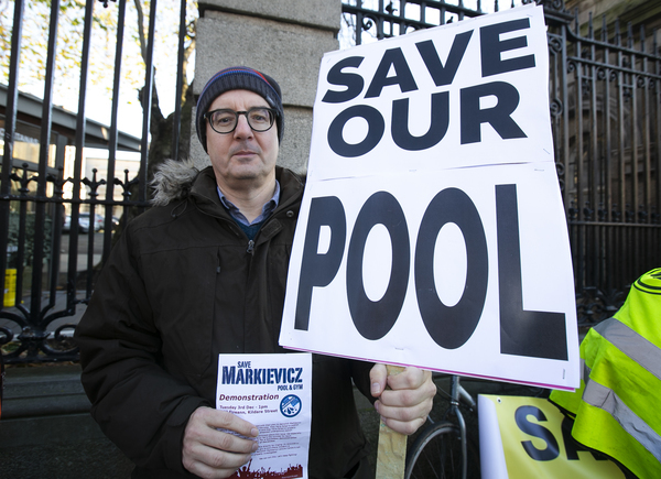 pool protest 424