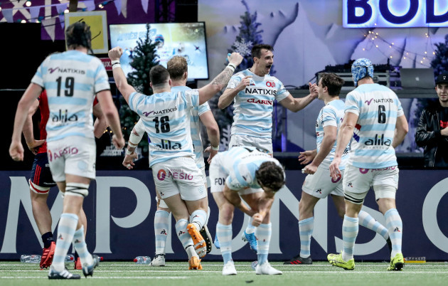 juan-imhoff-celebrates-his-try-with-team-mates