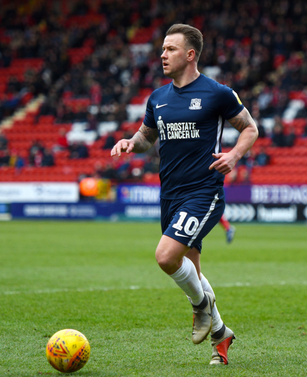 charlton-athletic-v-southend-united-sky-bet-league-one-the-valley