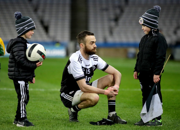 conor-laverty-with-his-sons-after-the-game