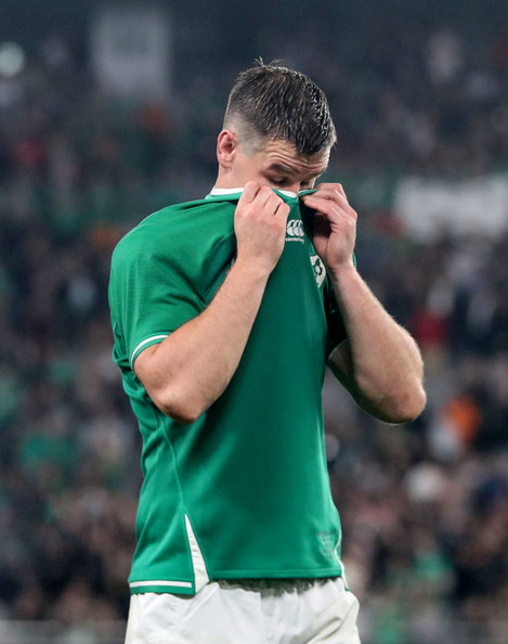 jonathan-sexton-dejected-after-the-game