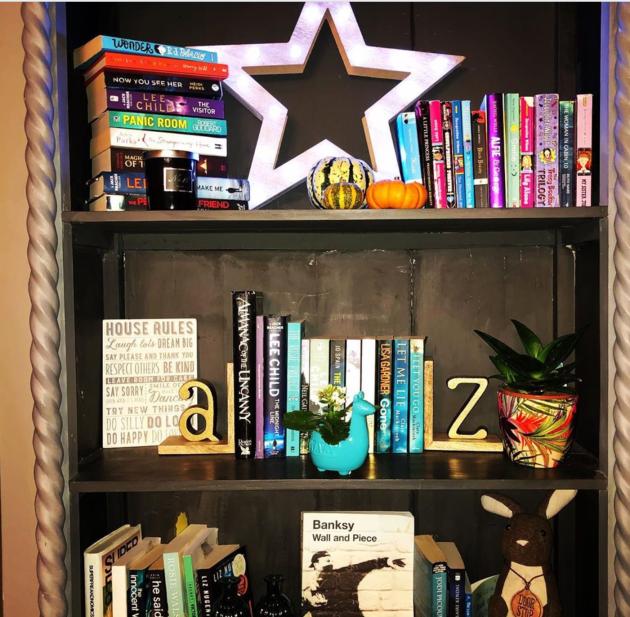 Gliosa bookshelf