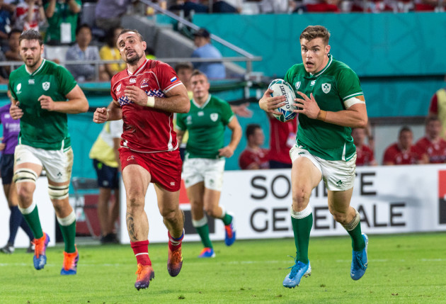 garry-ringrose-on-the-way-to-scoring-their-fifth-try