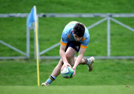 james-tarant-on-his-way-to-scoring-a-try-2512020