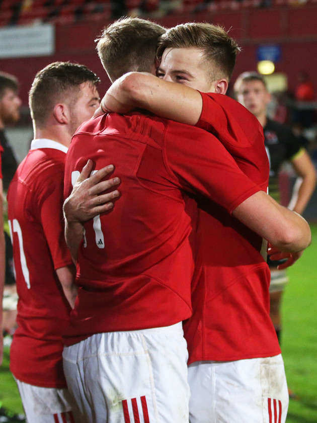 liam-coombes-celebrates-with-alex-mchenry-at-the-final-whistle