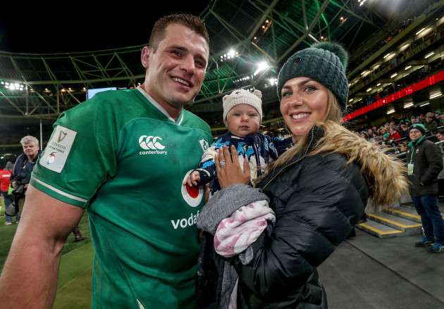cj-stander-with-his-daughter-everli-and-wife-jean-marie-after-the-game