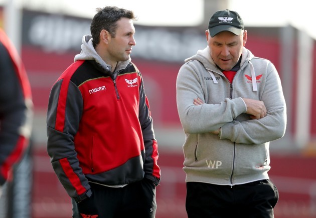 stephen-jones-and-wayne-pivac-before-the-game