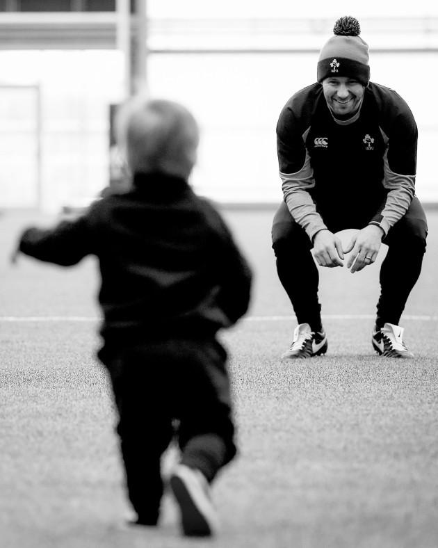 defence-coach-kieran-hallett-with-his-son-hector