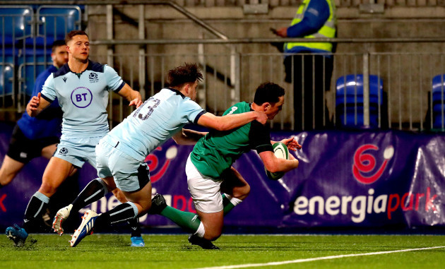 colm-hogan-scores-his-sides-first-try