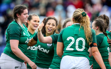 sene-naoupu-celebrates-with-her-teammates-after-the-game