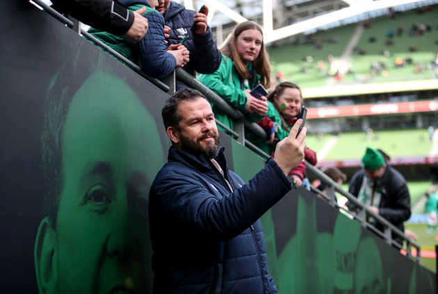 andy-farrell-with-fans-ahead-of-the-game
