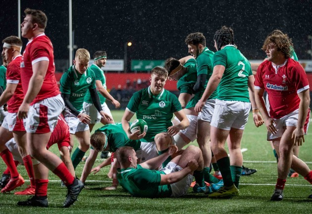 ireland-players-celebrate-mark-hernans-first-half-try