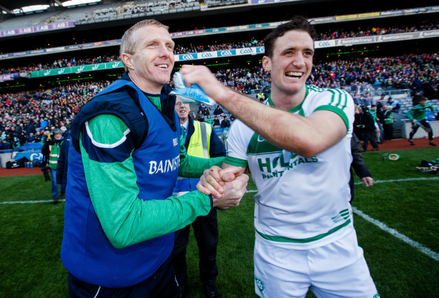 henry-shefflin-celebrates-at-the-final-whistle-with-colin-fennelly