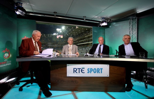 a-view-of-the-studio-with-from-l-r-bill-oherlihy-johnny-giles-liam-brady-and-eamon-dunphy