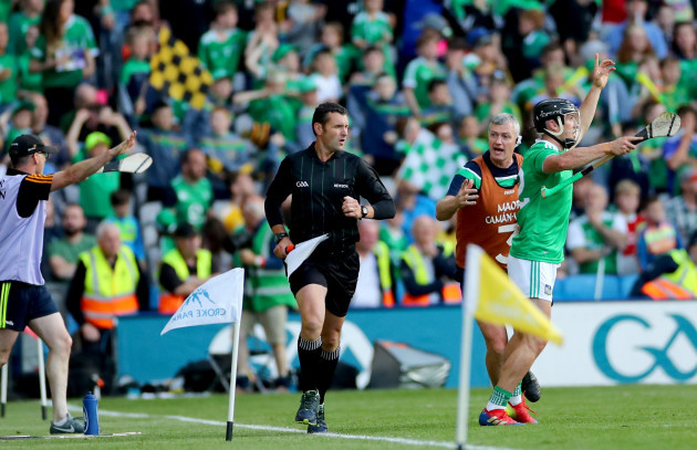 darragh-odonovan-appeals-for-a-65-after-a-late-sideline-cut