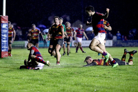 matt-darcy-scores-a-try-which-was-disallowed