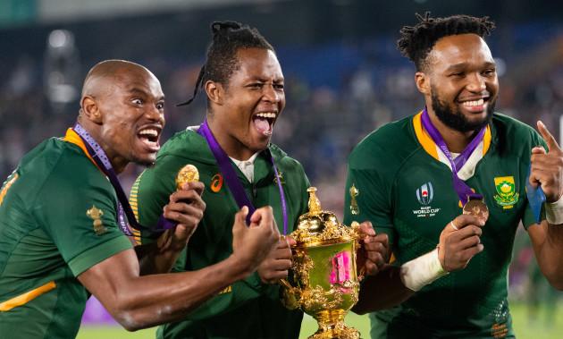 makazole-mapimpi-sbusiso-nkosi-and-lukhanyo-am-celebrates