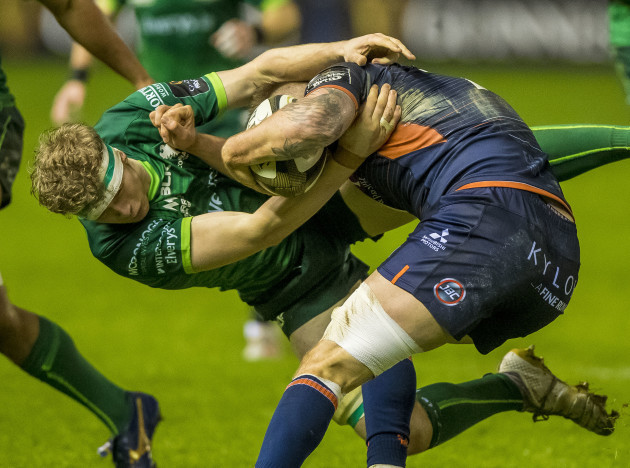 niall-murray-tackles-luke-crosbie
