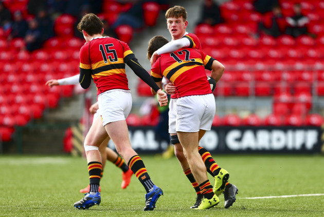 jack-morehead-is-congratulated-by-teammates-after-scoring-a-try