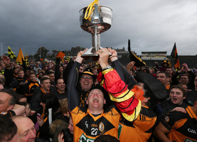 darragh-long-celebrates-with-the-cup