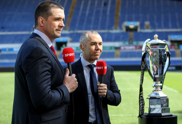 alan-quinlan-and-dave-mcintyre-with-the-guinness-six-nations-trophy